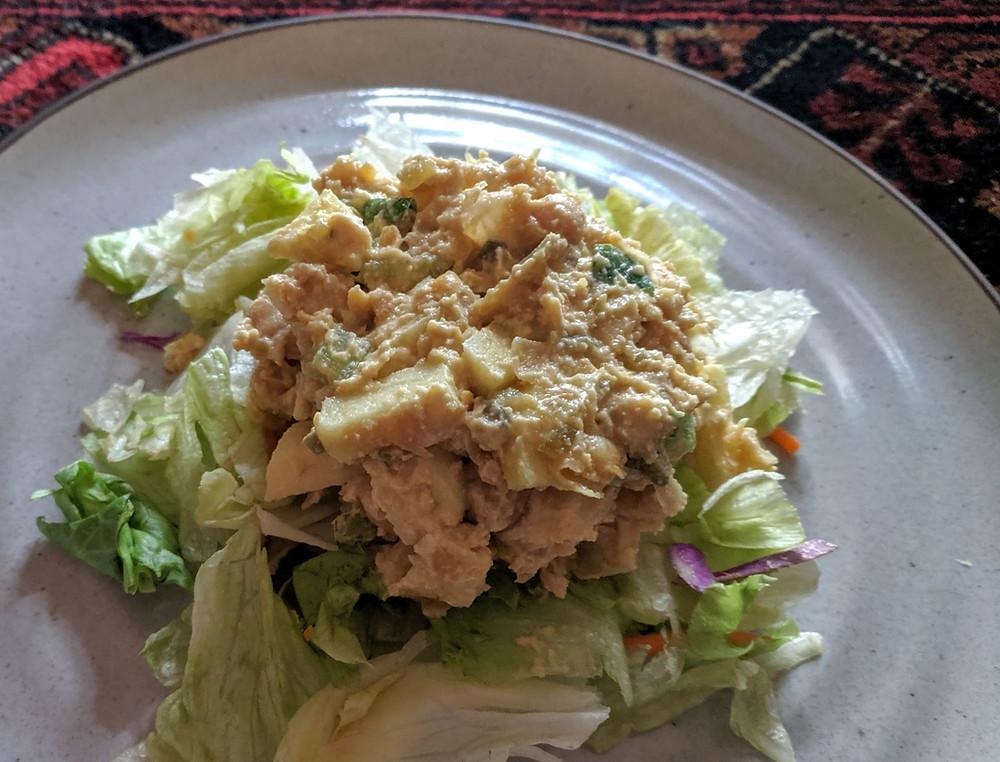 """Apple Chickpea """"Tuna"""" Salad"""