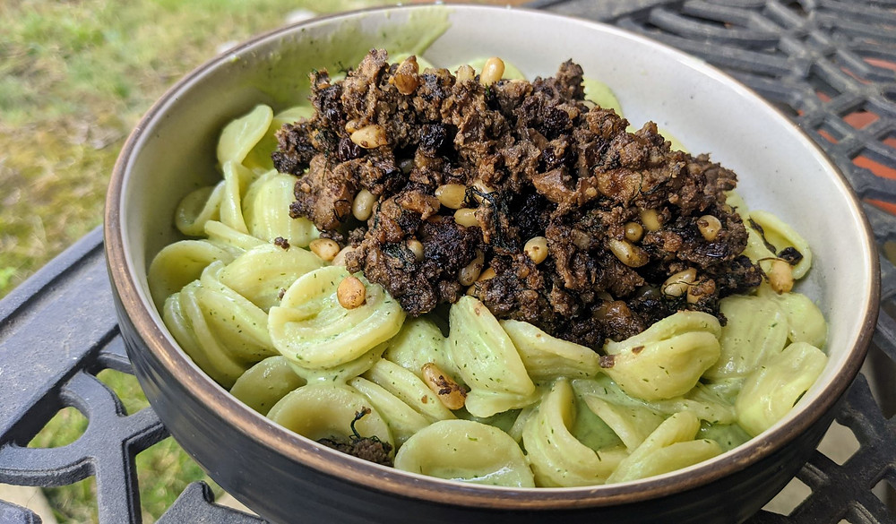 Spiced Mushroom and Dill Yogurt Pasta