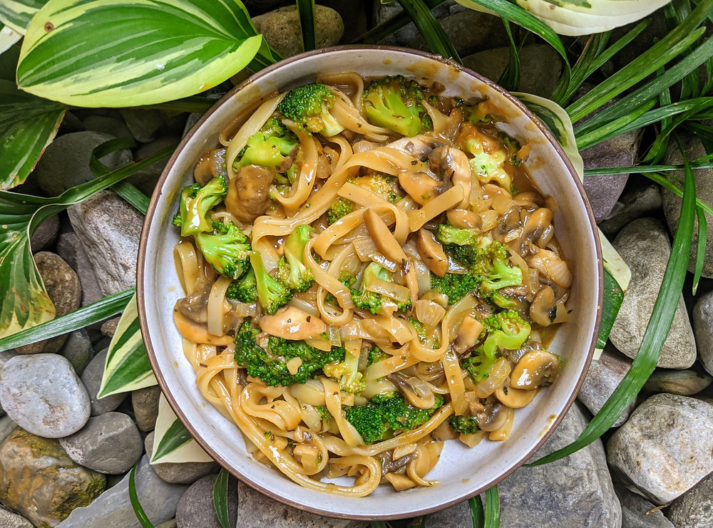 Wide Thai Rice Noodles with Broccoli and Mushrooms