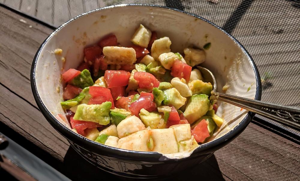 avocado tomato banana salad