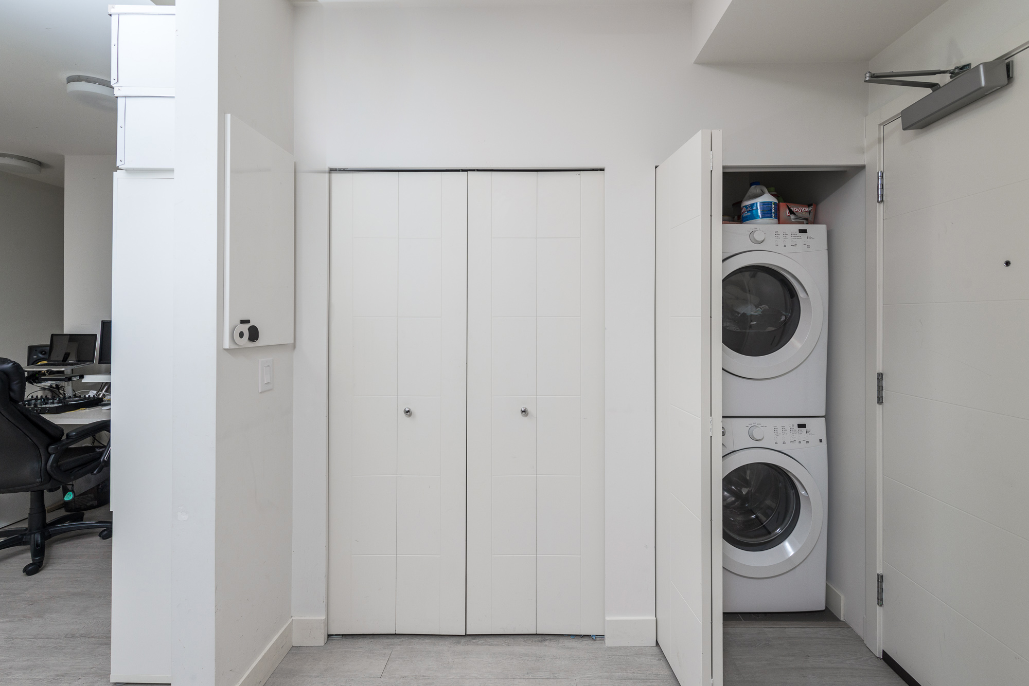 In-suite laundry 13931 Fraser Hwy, Surrey