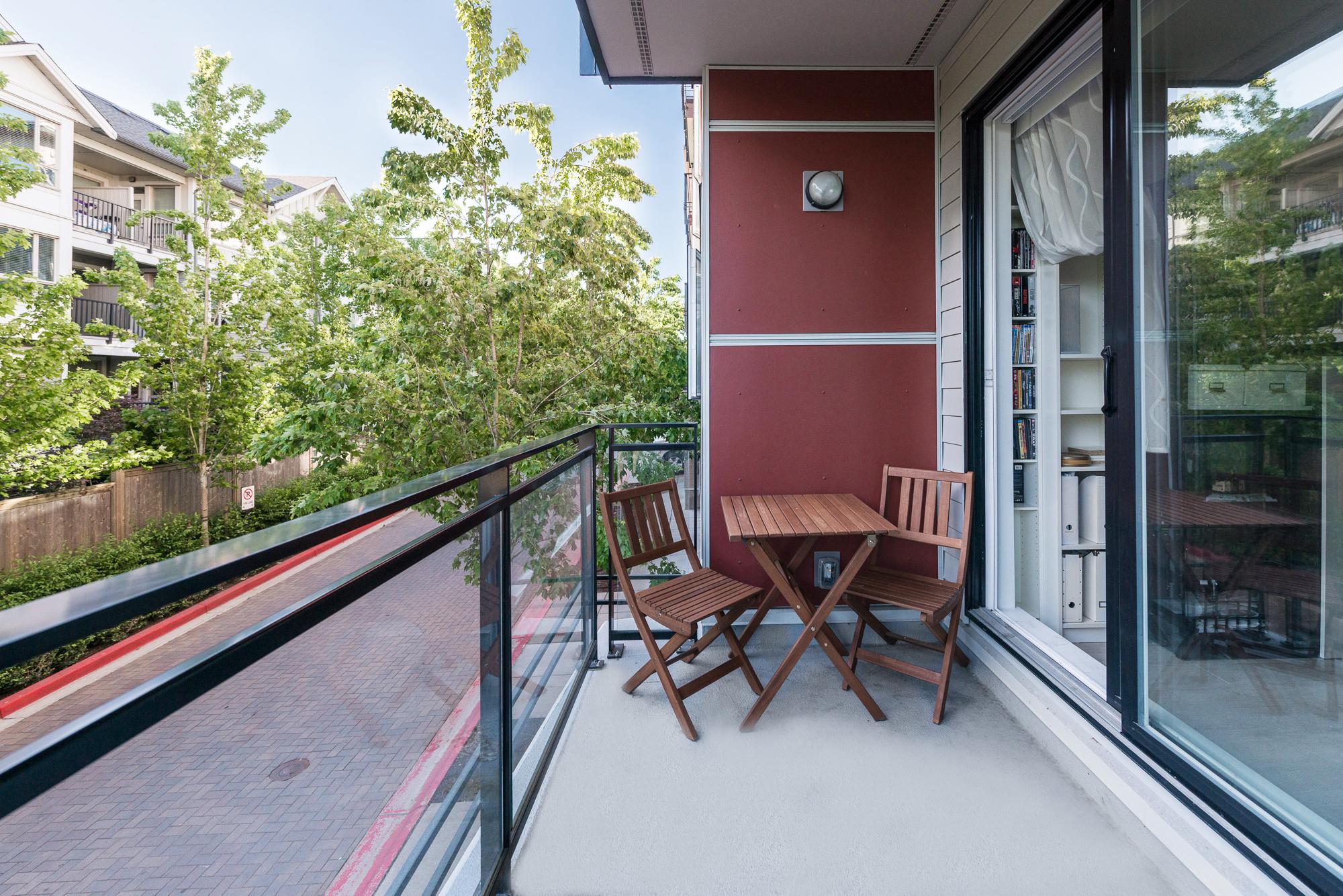 Balcony 13931 Fraser Hwy, Surrey