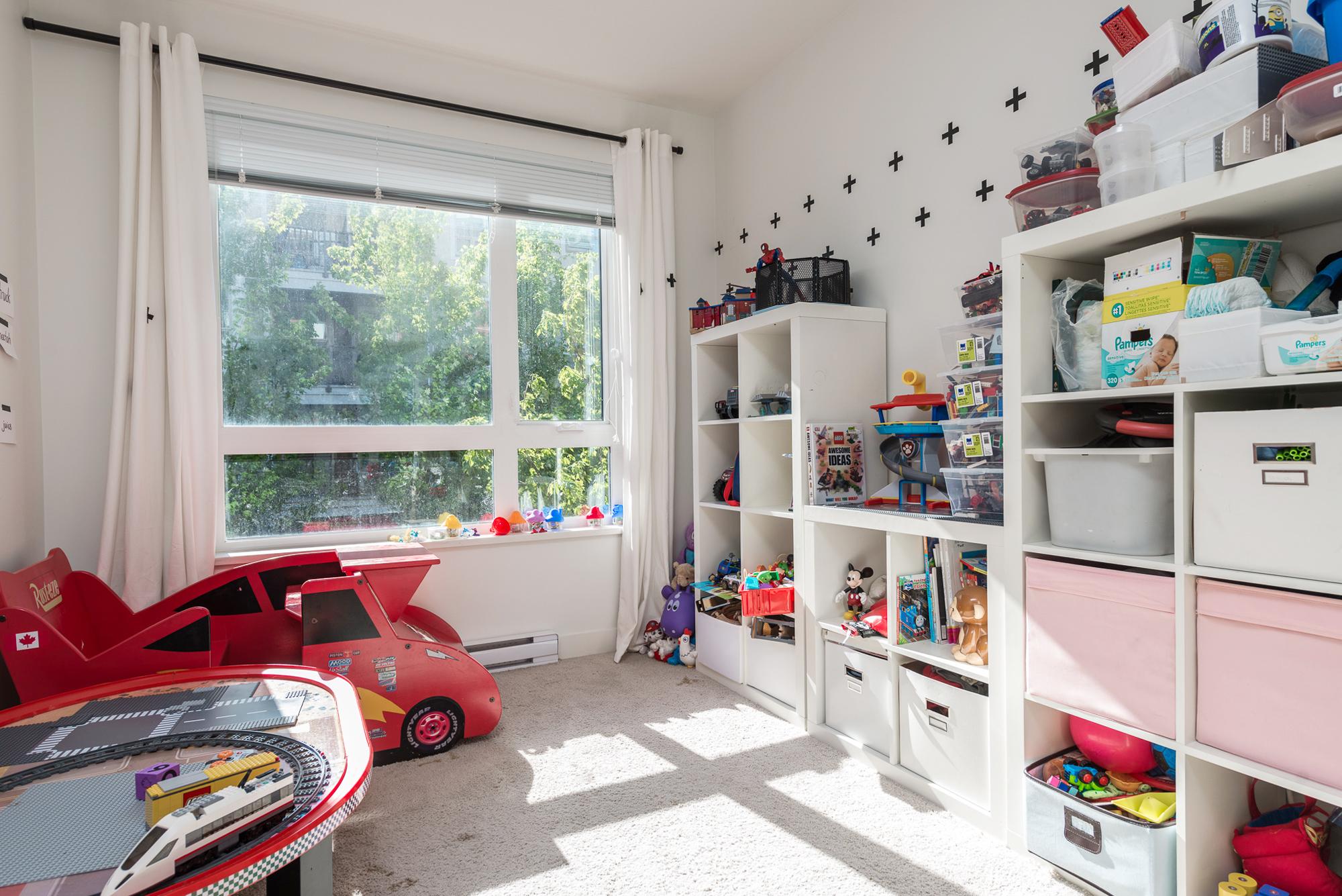 2nd bedroom 13931 Fraser Hwy, Surrey