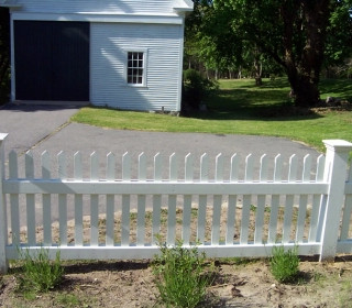 Cape Cod Picket With Facing Kick Boards