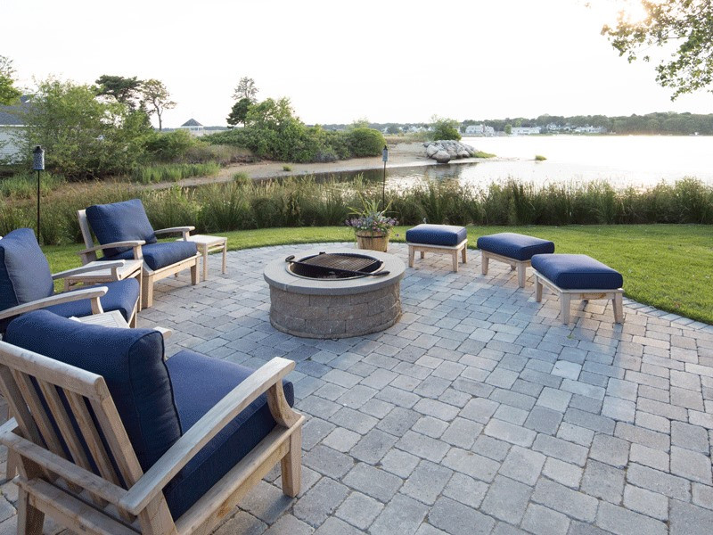 Entertainment Centers, Fireplaces & Fire Pits