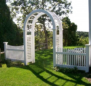 Vinyl Arbor With Colnoial Picket
