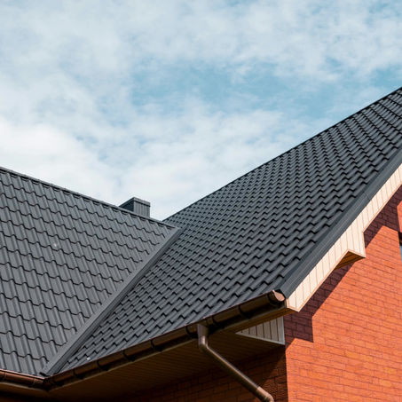 *ROOFING THAT OUTPERFORMS THE COMPETITION*.
