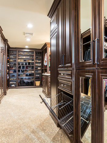 Traditional Closet