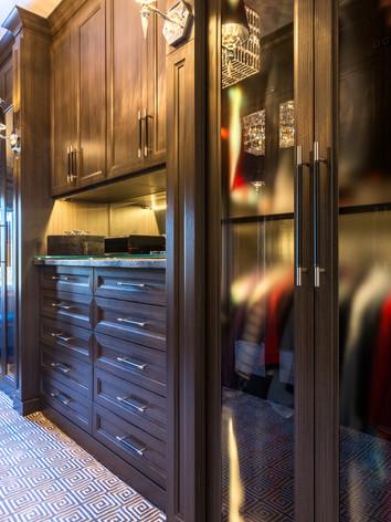 Men's Dressing Room