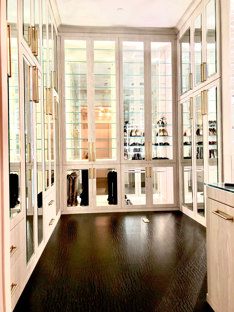 Manhattan Boutique Closet