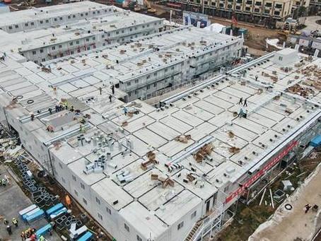 Construído em 10 dias, hospital recebe primeiros pacientes com coronavírus na China