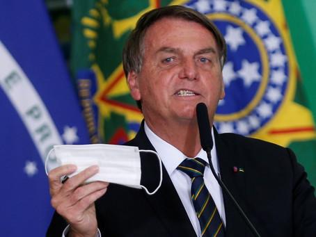 Bolsonaro diz que decisão de desobrigação de máscara para vacinados será de governadores
