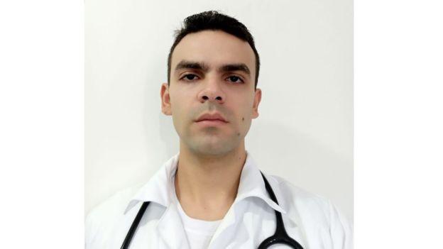 Joabe Oliveira Vasconcelos, 28 anos, médico generalista de UTIs e UPAs em Recife