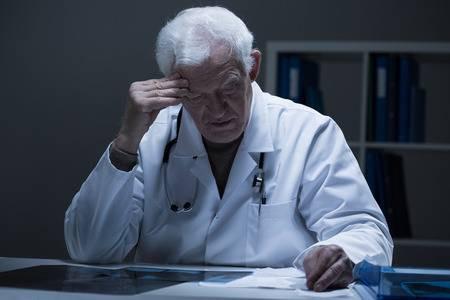 Os médicos têm de fato alto risco de suicídio?