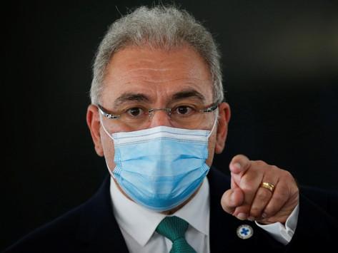 Queiroga critica 'demagogia vacinal' e diz que 'vai faltar dose' se não seguirem plano do governo