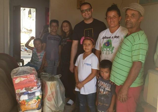 Famílias indicadas por assistência social recebem cestas montadas por médico em Sorocaba — Foto: Arquivo pessoal