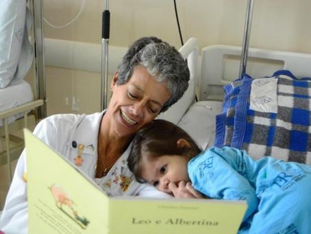 Experimento em SP sugere redução de estresse em crianças com leitura de histórias
