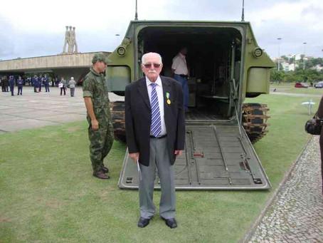 Ex-combatente da Guerra Mundial de 99 anos se recupera de Covid-19 no DF