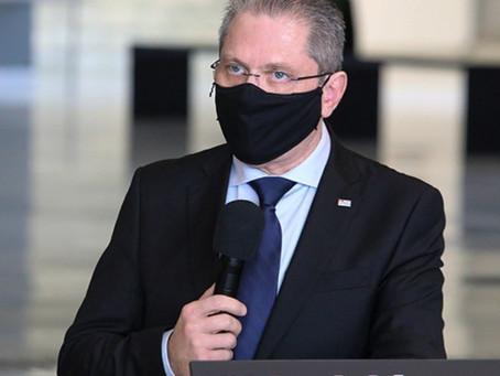 'É abominável', diz secretário de SP após Saúde excluir CoronaVac de 3ª dose