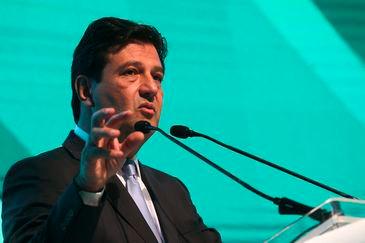 O ministro da Saúde, Luiz Henrique Mandetta, ministra palestra de abertura do 5° Fórum FenaSaúde