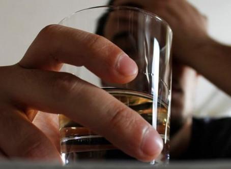 Os relatos de quem enfrenta o alcoolismo em tempos de pandemia
