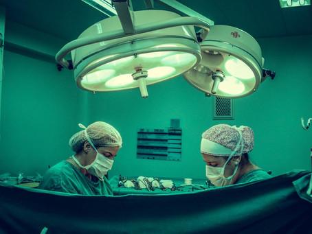 Médicos brasileiros fazem videocirurgia inédita e retiram câncer de pulmão