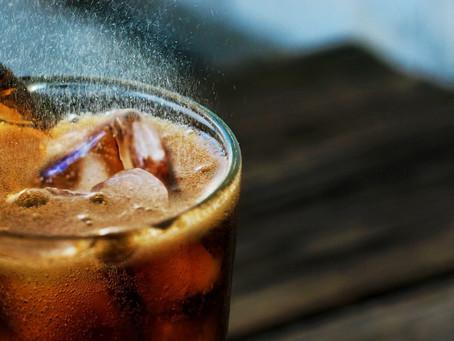 Reduzir consumo de bebidas com açúcar, inclusive de sucos naturais, diminui risco de diabetes tipo 2