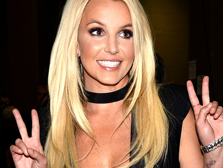 Britney Spears sofre lesão durante dança e mostra vídeo: 'Momento em que quebro meu pé'