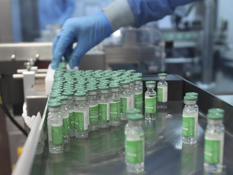 Maior produtor mundial de vacinas pede a Biden que encerre embargo de matérias-primas