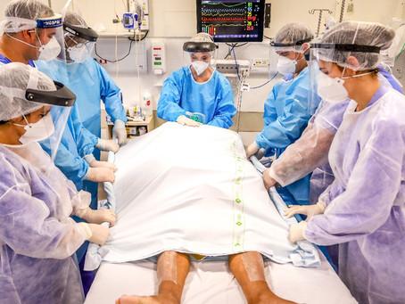 'Preço muito alto': A exaustão de profissionais de saúde após um ano de pandemia