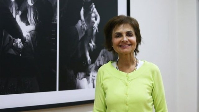 A subsecretária de Saúde Pública do Chile, Paula Daza, diz que o sistema tem melhorado nos últimos anos, apesar das reclamações de pacientes — Foto: MINSAL via BBC