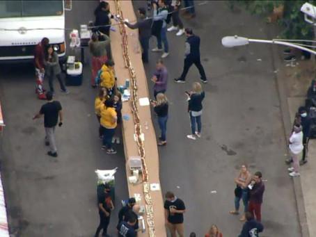 Dono de restaurante comemora fim de lockdown com sanduíche de mais de 150 metros