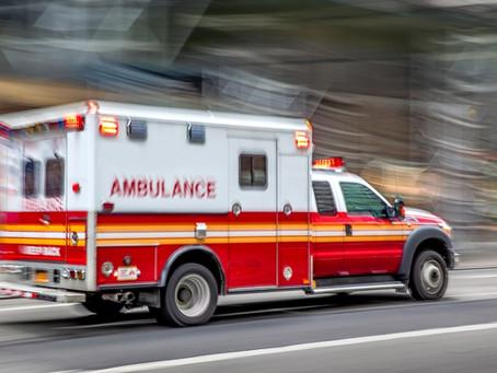 Ambulância tomba em rodovia ao transportar paciente para hospital