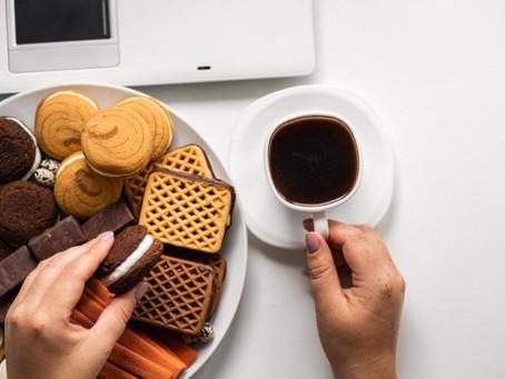 Conheça oito hábitos alimentares que podem interferir no sono