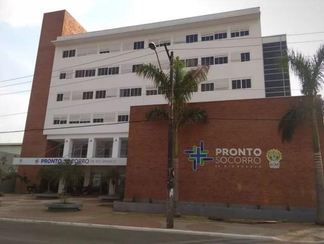 Pacientes do Pronto-socorro que aguardam por cirurgia começam a fazer procedimentos na Fundhacre — Foto: Alcinete Gadelha/G1