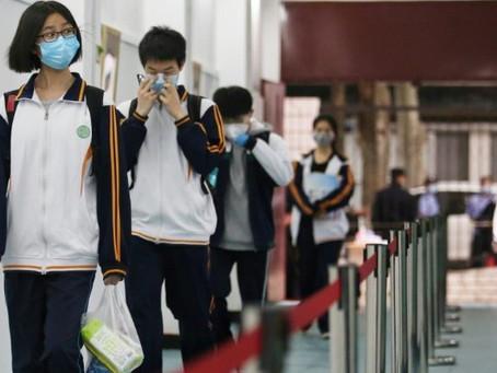 """China admite que COVID-19 revelou """"lacunas"""" em seu sistema de saúde"""