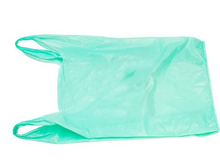 As sacolas de mandioca que dissolvem na água, e ainda podem alimentar os animais marinhos