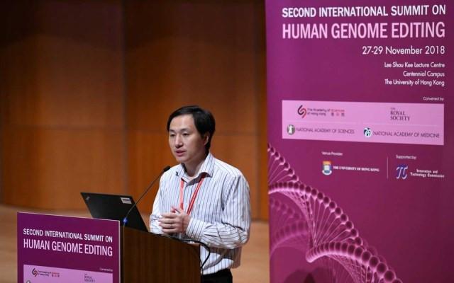 Cientista chinês He Jiankui na II Cúpula Internacional sobre a Edição do Genoma Humano, em Hong Kong — Foto: Anthony Wallace / AFP Photo