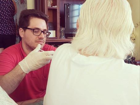 Médico oferece atendimento gratuito a vizinhos para ajudar no combate ao novo coronavírus