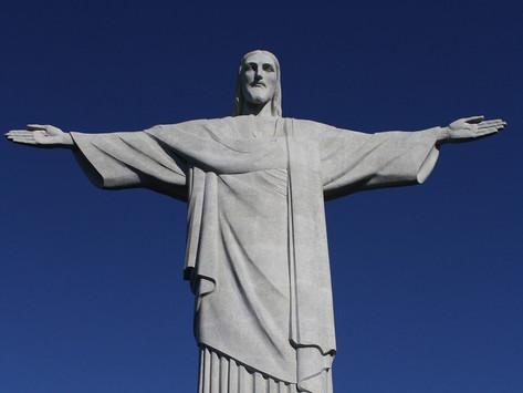 Cristo Redentor tem iluminação especial para alertar sobre diabetes