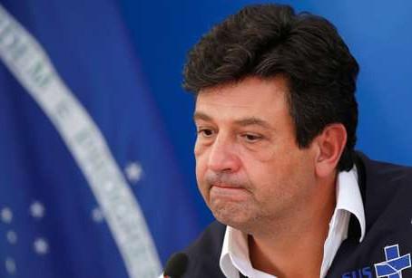 Bolsonaro demite Mandetta e escolhe Nelson Teich para assumir Ministério da Saúde
