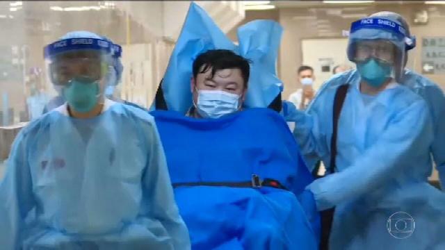 Na China, sobe para 17 o número de mortos pelo coronavírus