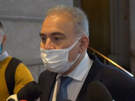 Com Covid, Queiroga diz estar preocupado com saúde, não com repercussão de gesto obsceno