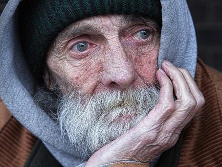 Como a pobreza mexe com o cérebro e o coração