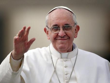 Papa doa respiradores a hospital