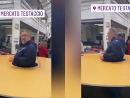 """Italiano sai com """"pizza anti-social"""" gigante na cintura pra evitar contato com infectado"""
