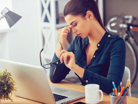 Cansaço e ressecamento dos olhos podem indicar uso excessivo de computador