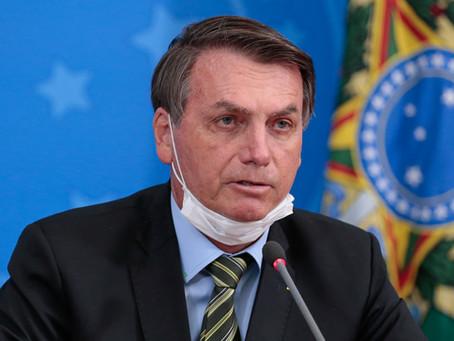 Bolsonaro anuncia contratação de mais de 3 mil médicos para postos de saúde
