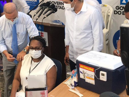 Enfermeira é a primeira pessoa a receber a vacina contra a Covid-19 na Bahia: 'Me sinto honrada'