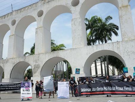 Dia Mundial de Luta contra a AIDS é lembrado com ato nos arcos da Lapa